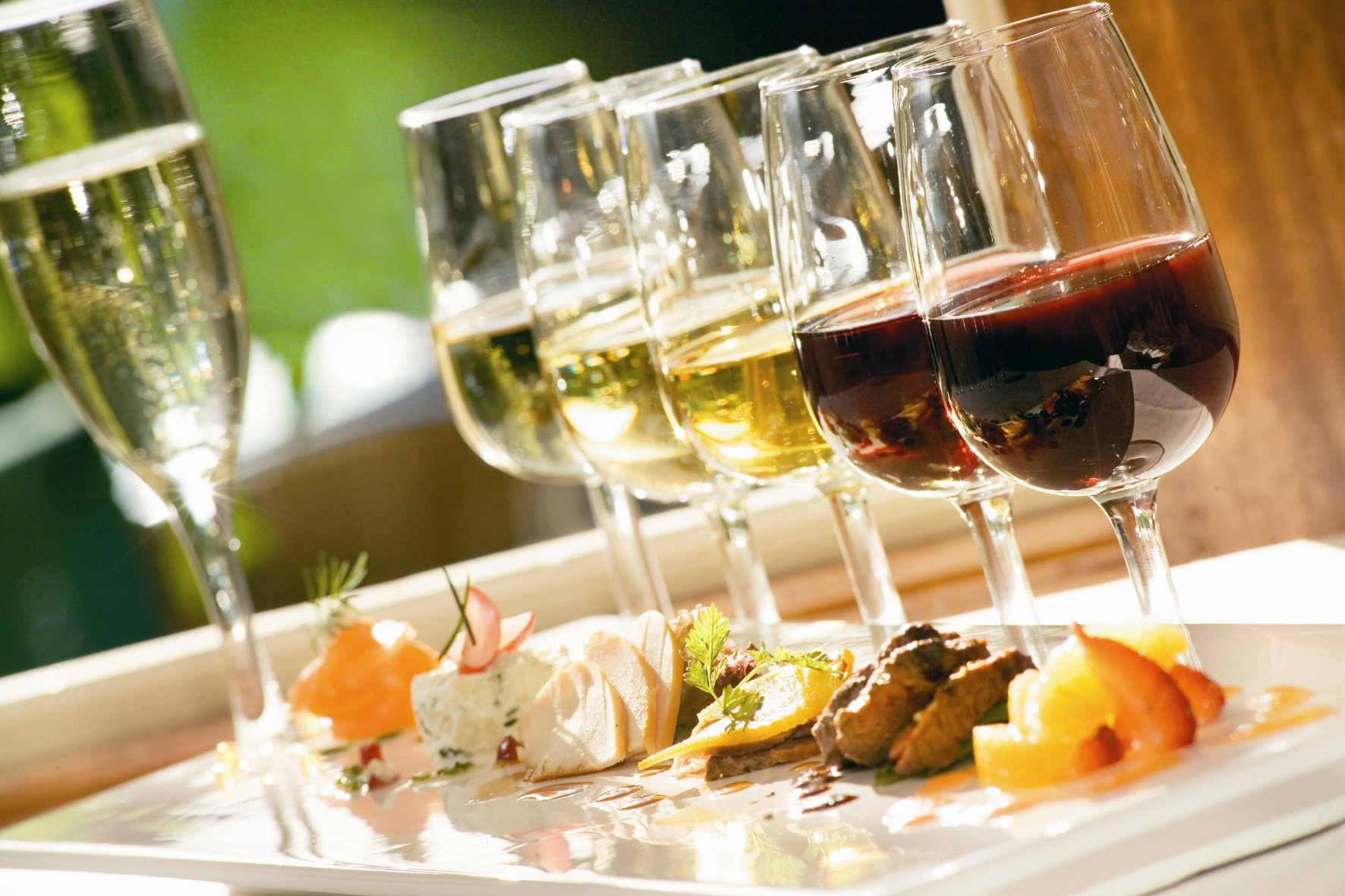 Lichte Rode Wijn : Wijntip rode wijn gekoeld libelle lekker